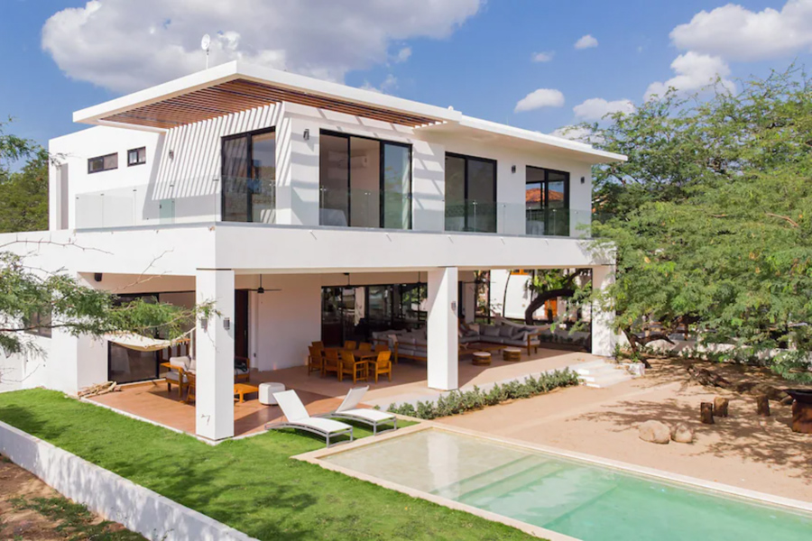 Nicaragua beachfront luxury surf house at Colorados