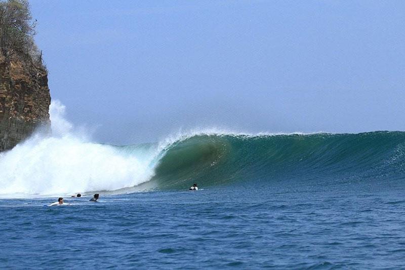 surfing nicaragua manzanillo