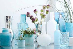 beach house style | blue vases