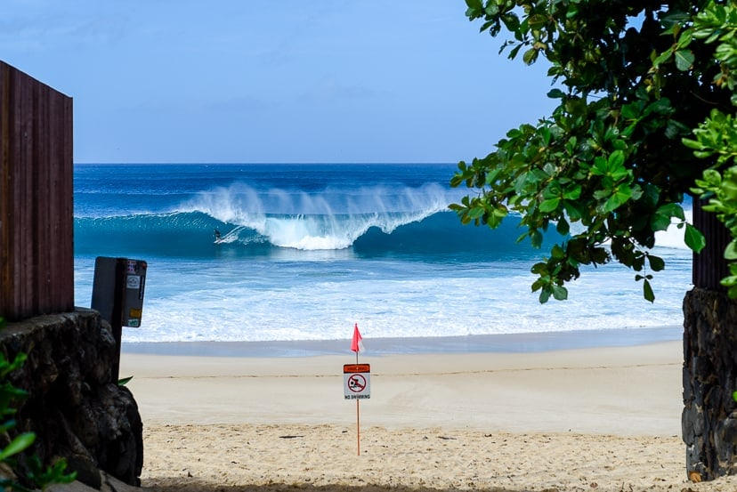 Off-The-Wall North Shore Oahu surf