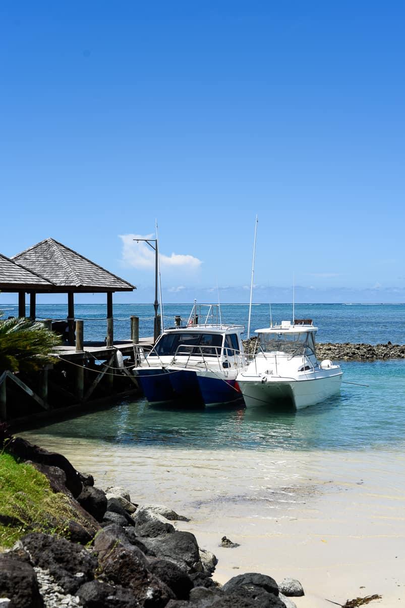samoa sinalei reef resort boat