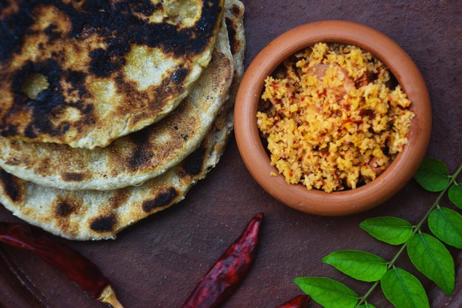 sri lanka food roti and coconut sambal