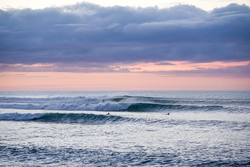 surfing new zealand raglan