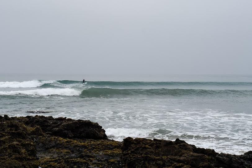 surfing new zealand shipwreck bay peaks