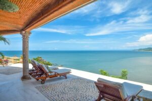 Amor Boutique Hotel / A Tropical Oceanfront Oasis in Sayulita