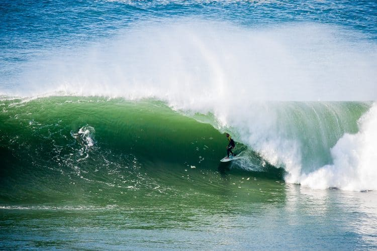 surfing portugal coxos