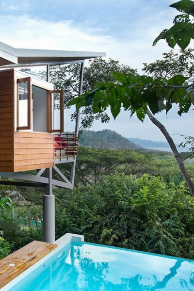 floating house costa rica