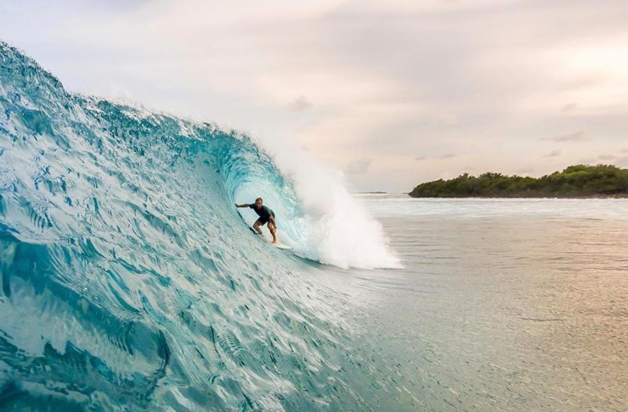 maldives surf