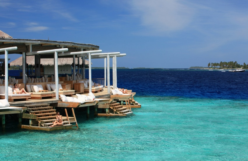 maldives surf resorts luxury