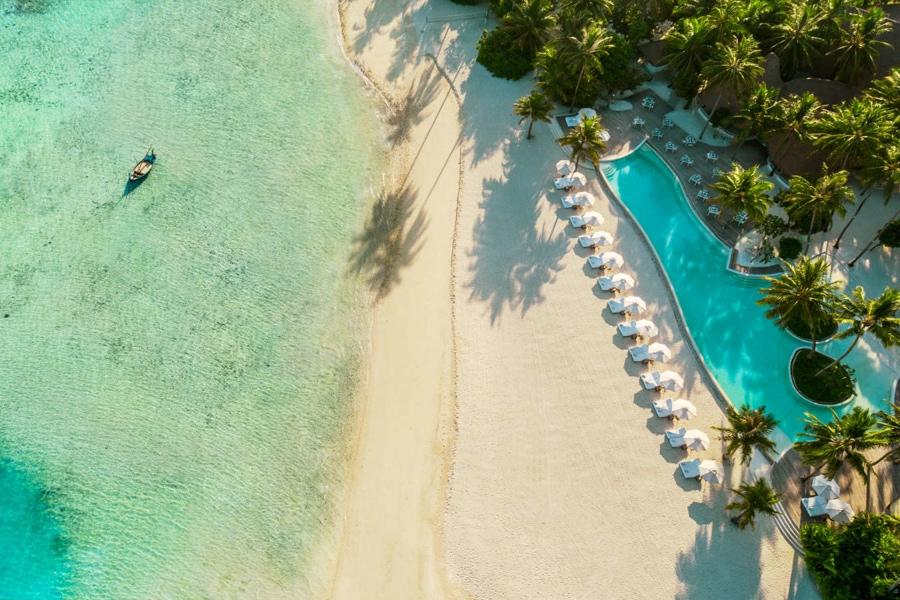 maldives surf resorts