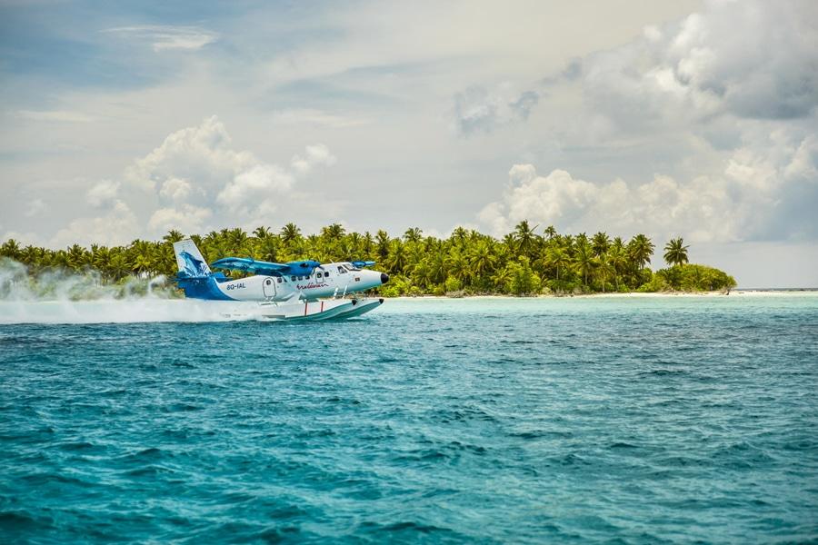 surfing maldives seaplane