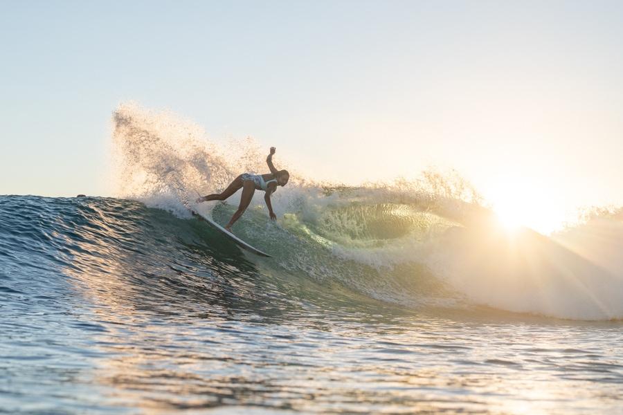 tahiti surf vahine fierro surfing in tahiti