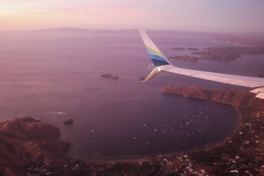 costa rica flight / santa teresa surf trip