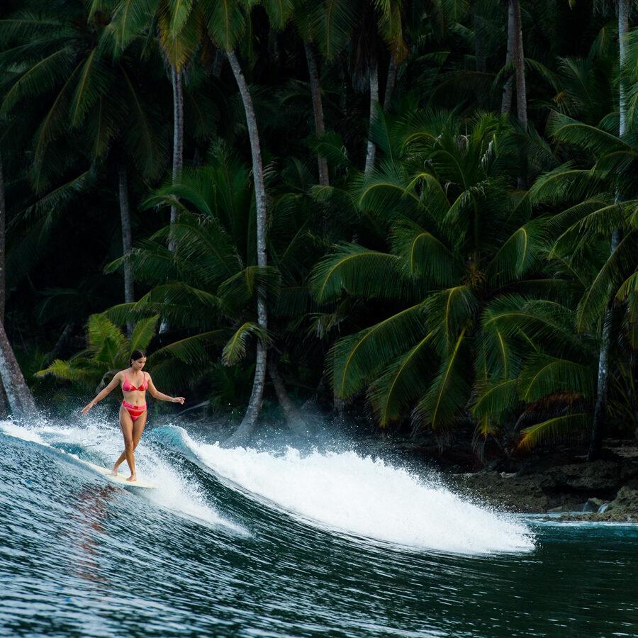 josie prendergast longboarding - wearing Billabong Womens