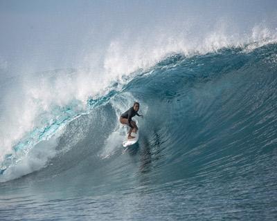 tahiti surf guide