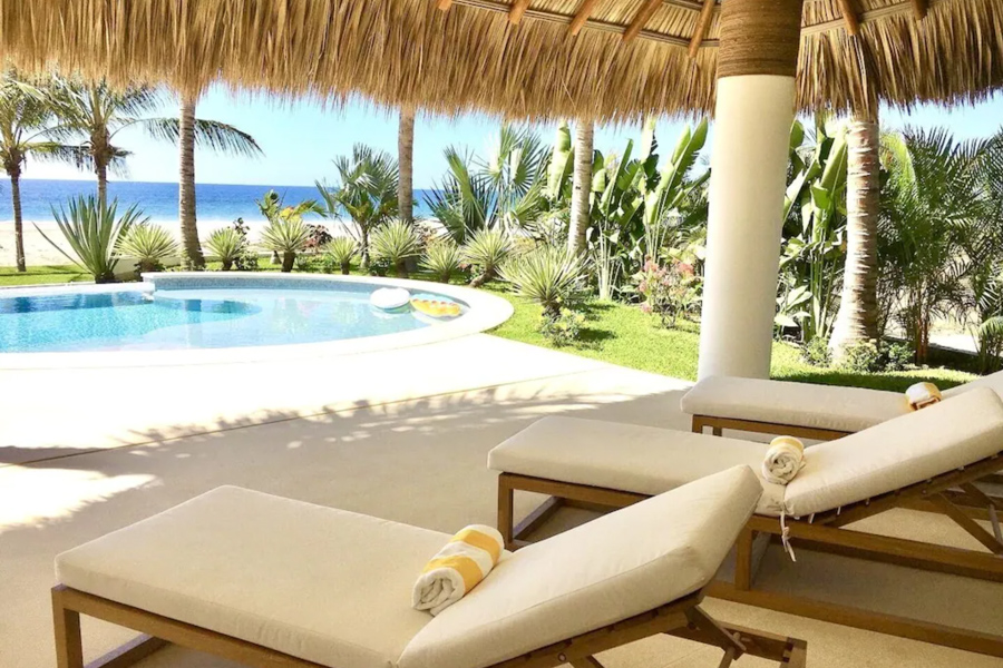 Luxury beachfront vacation rental in Puerto Escondido