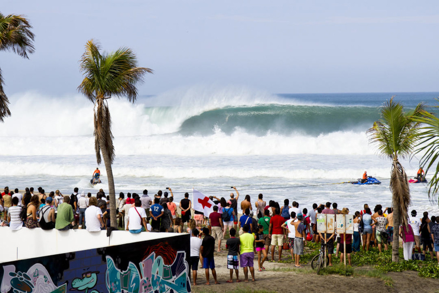 surfing Playa Zicatela in Puerto Escondido